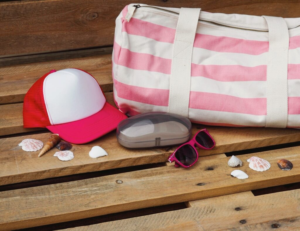 Růžová truckerka a růžová barelová taška